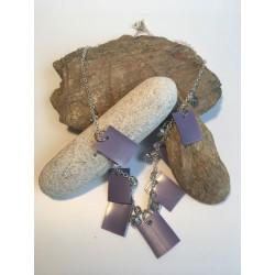 Collier plastique violet...